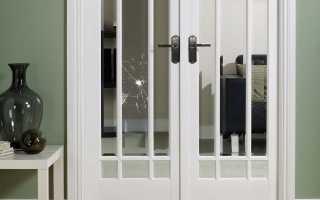 Замена стекол в межкомнатных дверях (33 фото): ремонт битого стекла, как вставить или заменить своими руками