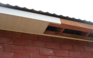 Карниз крыши: как выполняется отделка сайдингом