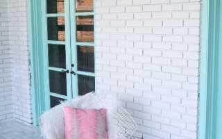 Чем покрасить кирпич на балконе лучше