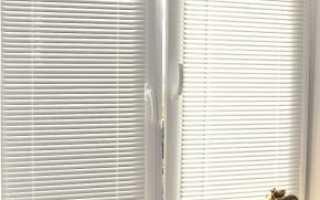 Как установить горизонтальные жалюзи на пластиковые окна? Как смонтировать, как правильно повесить