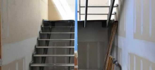Как выполняется облицовка металлических лестниц