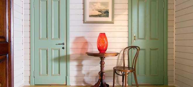 Покраска дверей деревянных в разных вариантах